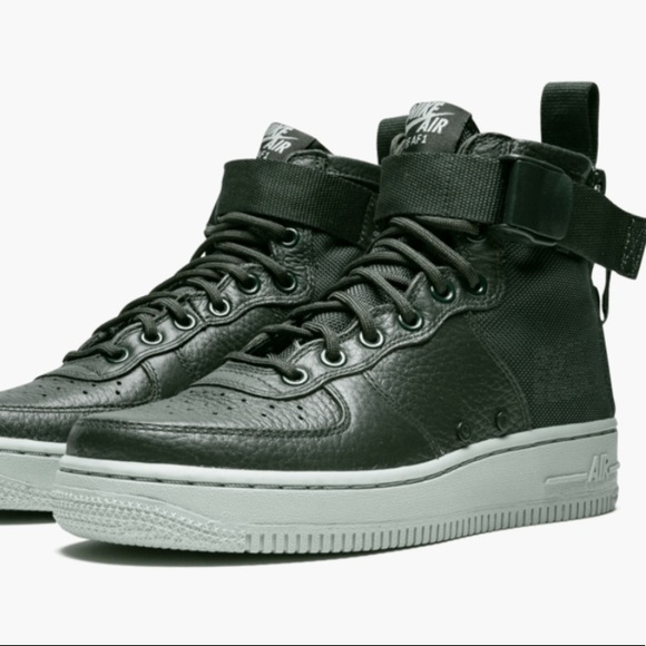 the latest a2a87 5c9e8 Nike Air Force 1 SF AF1 MID OUTDOOR GREEN Size 8